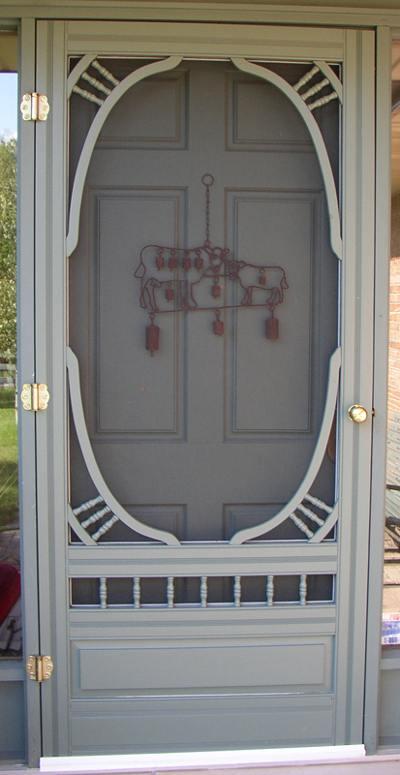 Wellington Screen door usage example